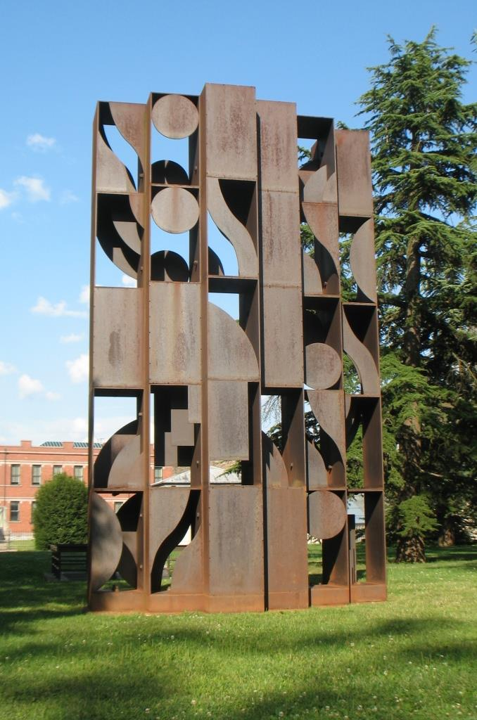 03-sculpture-at-Penn-Univ