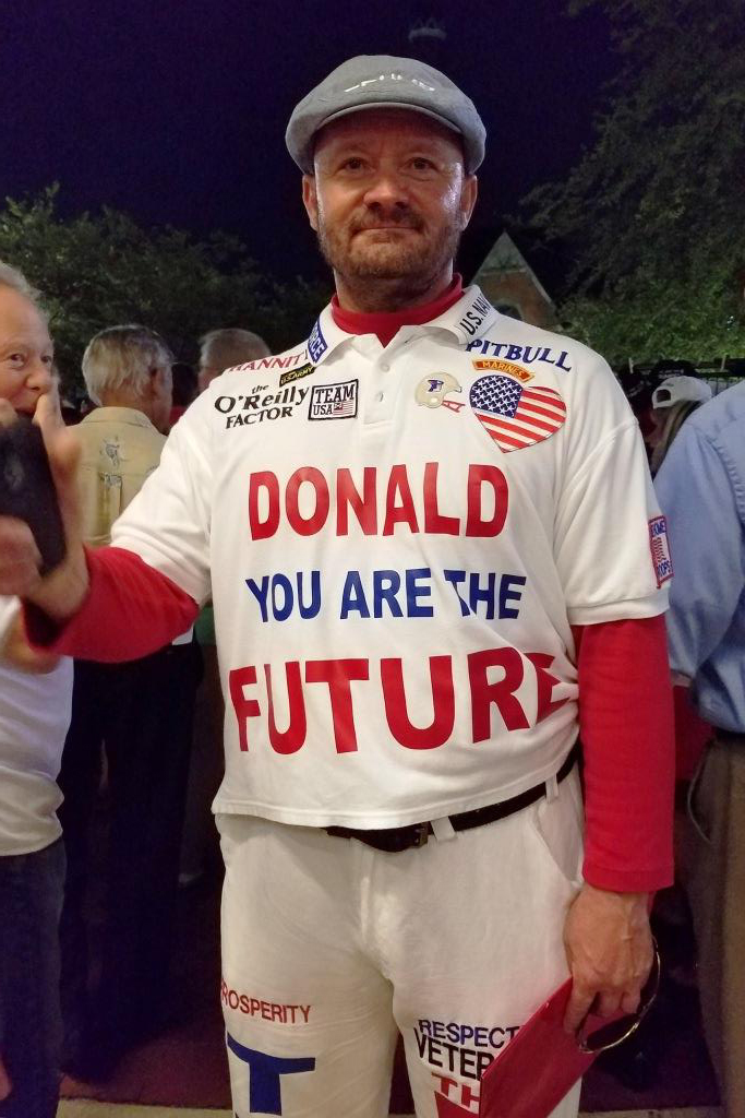 037-16_8TrumpRallyJax_rotated