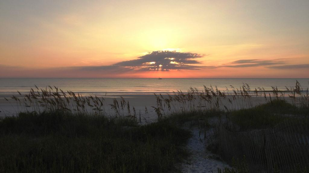 11-PV-Beach-sunrise13_8_web.JPG